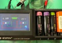 Efan Lux S4 Touch Screen LCD Chargeur